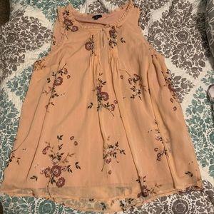 Blush pink sleeveless Torrid blouse